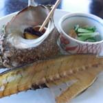 れんが屋 - 美味山海 さざえつぼ焼き 鯵骨煎餅