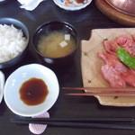 れんが屋 - 江の浦 お肉、ご飯、味噌汁、香の物