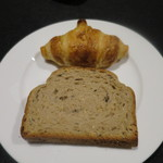 WINE BAR & RESTAURANT ELAN VITAL - クロワッサン、雑穀パン