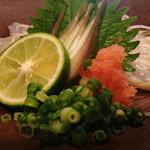 みさわ - フグ刺しキターヾ(@⌒ー⌒@)ノ まさか今日、、、新潟駅前でフグの刺身に出会えるなんて♫しかも650なんてやすっ!! 刺身おいしい!