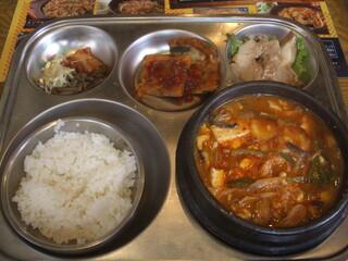 韓国屋台 豚大門市場 -