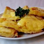 ニューガネーシャ - とろ~りとろける至福のチーズナン!!