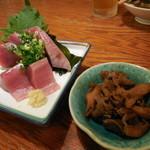 和賀の四季 - 料理写真:カツオ刺身と舞茸の煮付け