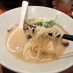 博多 一風堂 - 2014年10月5日(日) 白丸元味(麺かため)700円