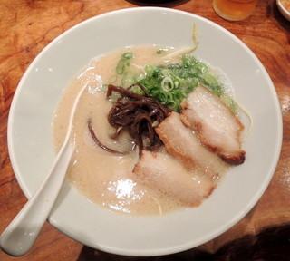 博多 一風堂 金沢香林坊店 - 2014年10月5日(日) 白丸元味(麺かため)700円