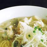 上海ヌードル 珊 - 海老ワンタン麺(塩)