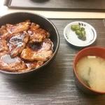 31381527 - 豚丼800円