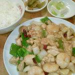 31384226 - 鶏肉とエビのピリ辛炒め定食♪