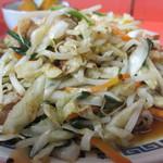宝来軒 - 肉野菜炒めアップ