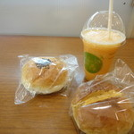 森屋 - ジュース+パン2個