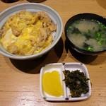 一優亭 - 親子丼とお代わり自由の味噌汁