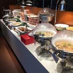 ブッフェブルーム - メインの料理たち
