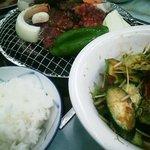 文田商店 - 料理写真:韓国風サラダ、和牛ロース