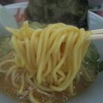 山岡家 - 麺