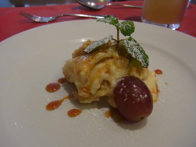 トラットリア ステッラ - デザートのアップルパイ