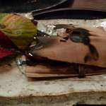 美食倶楽部 - 鰆の杉板焼 まだ、火が赤く光っています。(H26.10)
