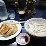 31411659 - 焼き餃子440円 水餃子440円 黒ビール440円