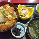 川崎屋 - カツ丼640円《2014年10月》