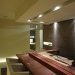田久鮓 - カウンターから8人個室を眺める
