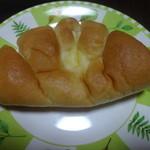 パン・洋菓子 キムラヤ - クリームパン☆