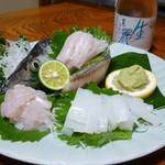 大潮荘 - 料理写真:お造りと冷酒