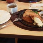 ガスト - ハンバーグ&チキン南蛮(699円)+Aセットゴハン大盛(339円)