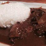SUD - 牛肉の赤ワイン煮込みカレー