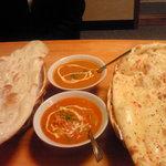 ガンガサガー - チキンカレーと野菜カレー