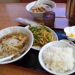 天香一 - 青椒肉絲セット+塩ラーメン(980円)2014/10/11