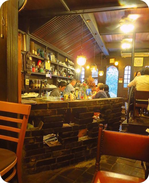 コーヒーロッジ ダンテ - カウンターは馴染客の予約席(?)