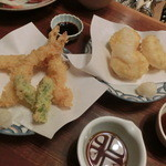 31437416 - <2014年10月>女子会その② エビの天ぷら、三匹で380円。お餅の天ぷら、価格不明。