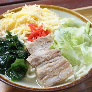 パーラーわかば - 料理写真:そば(大・400円)