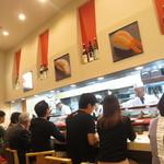 金沢まいもん寿司 - リニューアルされた店内