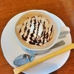 リスボン - ウインナーコーヒー 300円 2014.10.