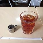 柏水堂 - 冷たいアールグレイの紅茶(400円)