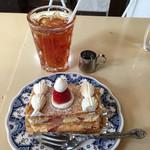 柏水堂 - ミルフィーユ(480円)、冷たいアールグレイの紅茶(400円)