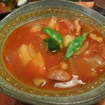 31447986 - 野菜いっぱいのミネストローネ、実に美味しい料理