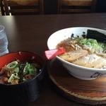 山神山人 - チャーシュー飯定食、醤油ラーメンとセットしました850円(2014.10.12)