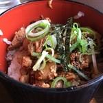 山神山人 - チャーシュー飯、切れっ端ですが、トロトロチャーシューが美味い(2014.1012)