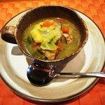 トラットリア ボーノボーノ - ソーセージと野菜のあっさり煮込みスープ