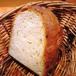 トラットリア ボーノボーノ - 自家製パン