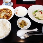 31451084 - 週替わりランチ:四川麻婆豆腐とエビマヨ