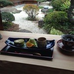 窯元カフェ はづき - 料理写真:お庭を眺めながら、心なごむひとときをお過ごしください