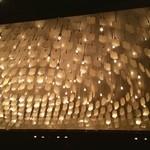 銀座レカン - 鱗みたいな天井