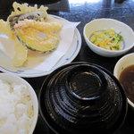 ふそう - 料理写真:お昼定食 850円