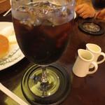 カフェ香咲 - アイスコーヒーはやや強めの焙煎の感じでしょうか。