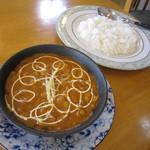 インディアン・レストラン ロタ - ダル(豆カレー)&バスマティ米入りライス♪