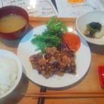 彩食堂 - くじらの竜田揚げ