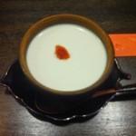 つぼ吉 - 〆の杏仁豆腐、美味しかったです
