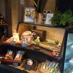 31481847 - お土産のお菓子や豆乳プリンなんかも売ってます